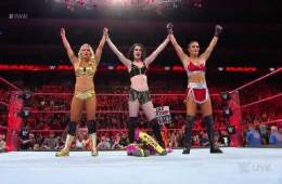 Paige, Mandy Rose y Sonya Deville son The Absolution