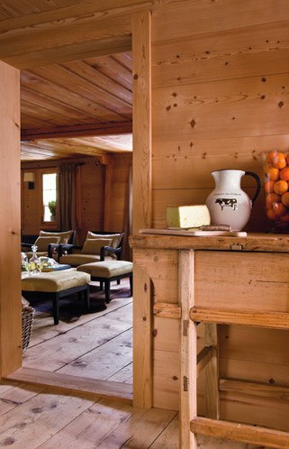 un chalet dans les alpes suisses planete deco a homes world. Black Bedroom Furniture Sets. Home Design Ideas