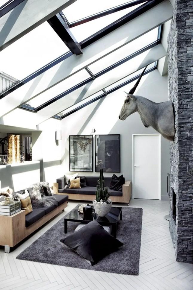 la maison sombre de l 39 artiste planete deco a homes world. Black Bedroom Furniture Sets. Home Design Ideas