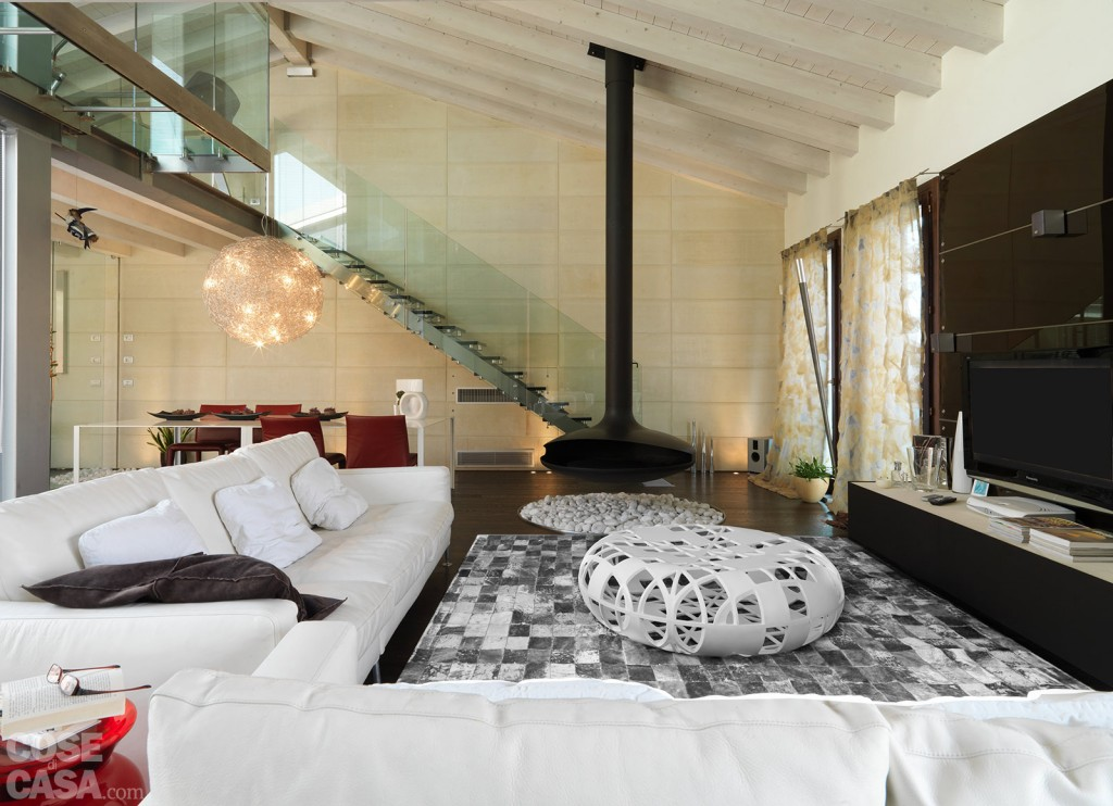 Une maison contemporaine avec patio vitré - PLANETE DECO a homes world