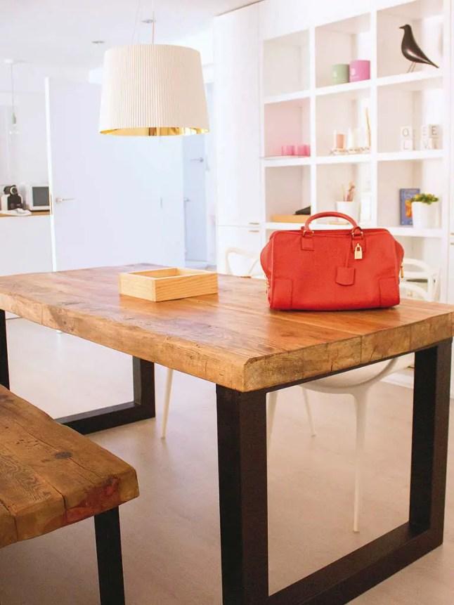 lumi re au sous sol planete deco a homes world. Black Bedroom Furniture Sets. Home Design Ideas