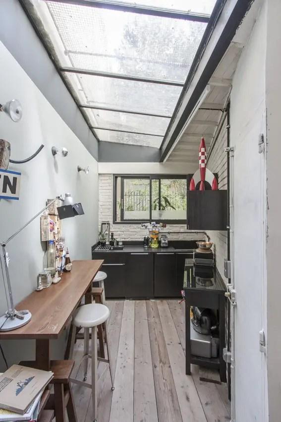les petites surfaces du jour un mini loft paris planete deco a homes world. Black Bedroom Furniture Sets. Home Design Ideas