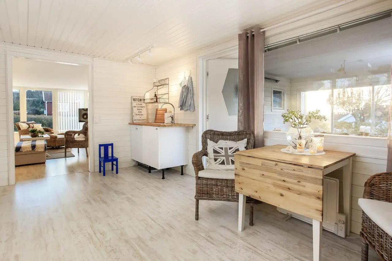une maison de vacances style nouvelle angleterre planete deco a homes world. Black Bedroom Furniture Sets. Home Design Ideas