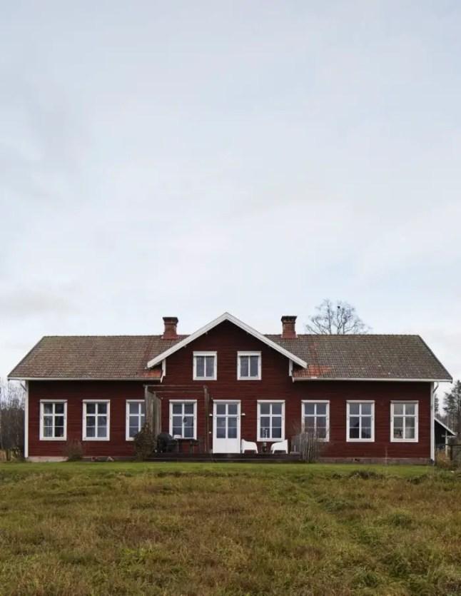 la maison d 39 une artiste pr s du lac siljan planete deco a homes world. Black Bedroom Furniture Sets. Home Design Ideas
