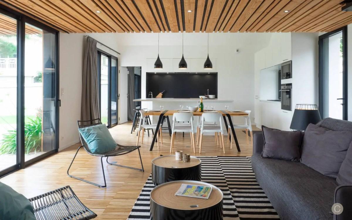 une maison en bois en bretagne planete deco a homes world. Black Bedroom Furniture Sets. Home Design Ideas