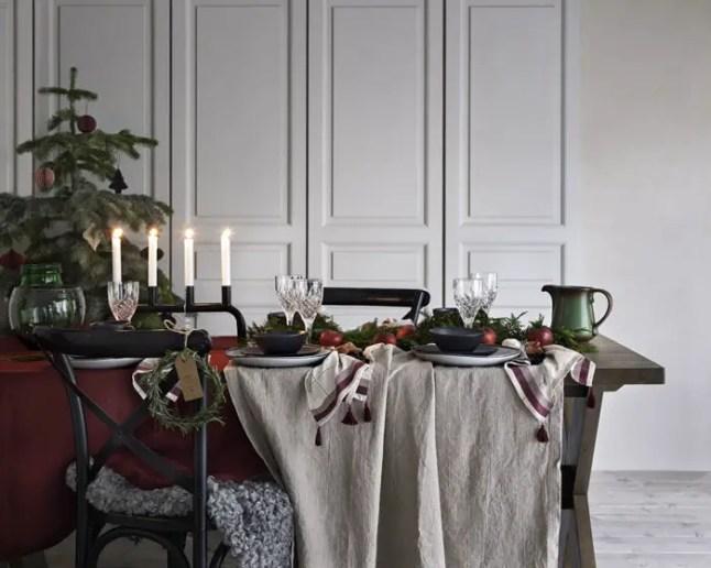 Photo: Christmas Decoration Hemkampanj v45 Launch: 2017-45 AD: Lena Photo planning: 2017-09-04 - 2017-09-08 Search term: 17_Q4_2_HEM, 17_Q4_2_HEM Image name: AEBF Image content: 1028912-01 Duk Stella 1028912-02 Duk Stella 1027319-01 Servett 2p Molly 1058324-01 Adventsljusstake Lion 1500988-01 Skål Svala, 4 Pack 1015848 Skål Svala, 4 Pack