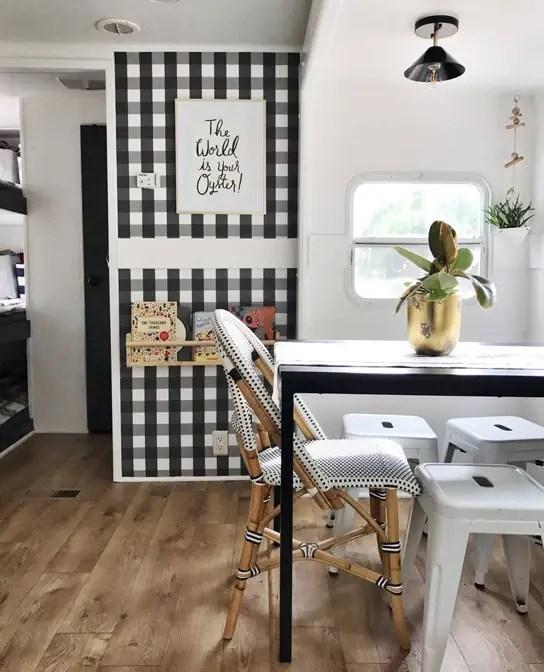 Mini casas: decorar una caravana para cinco