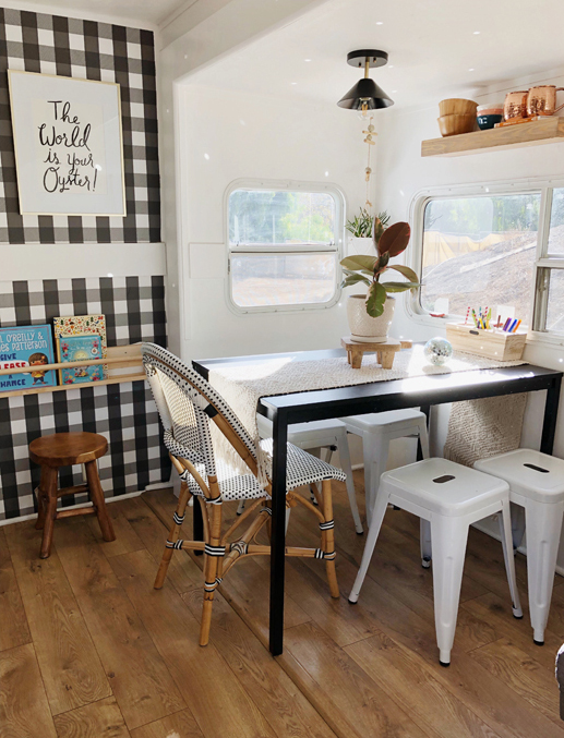 Mini casas: decorar una caravana para cinco