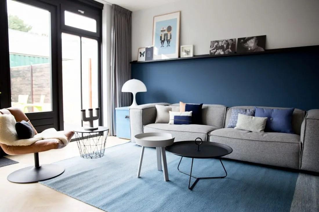 Une maison familiale en bleu