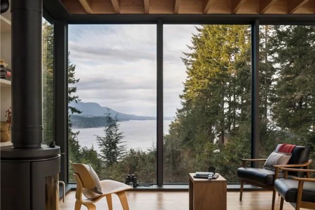 Une tiny house design dans la nature