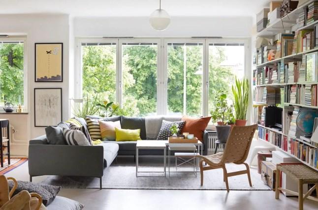 Une appartement avec terrasse entouré de verdure en pleine ville