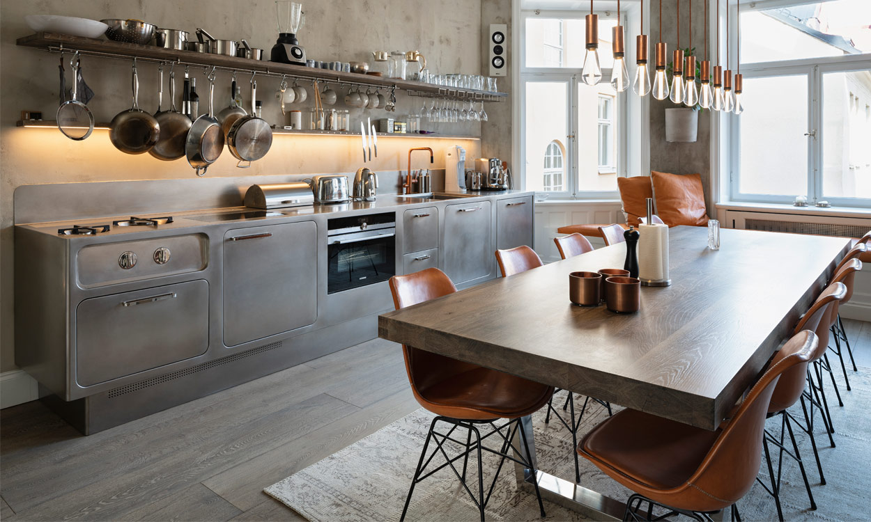 Une cuisine au design de rêve dans un appartement rénové