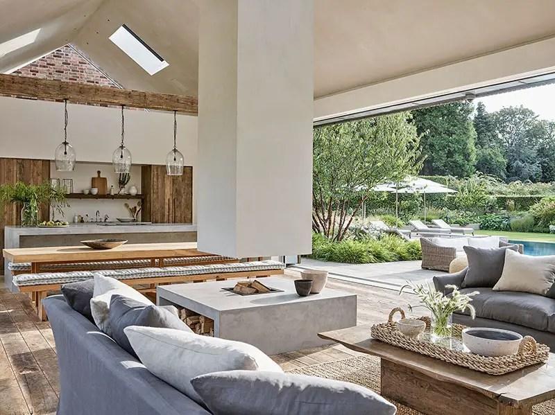 Cette maison simple et belle au design naturel est déclinée en blanc et bois - PLANETE DECO a homes world