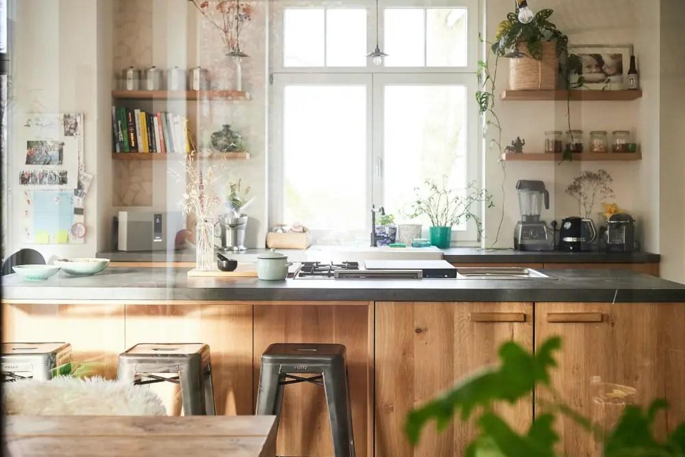 comment avoir une cuisine ikea originale grace aux facades personnalisees planete deco a homes world
