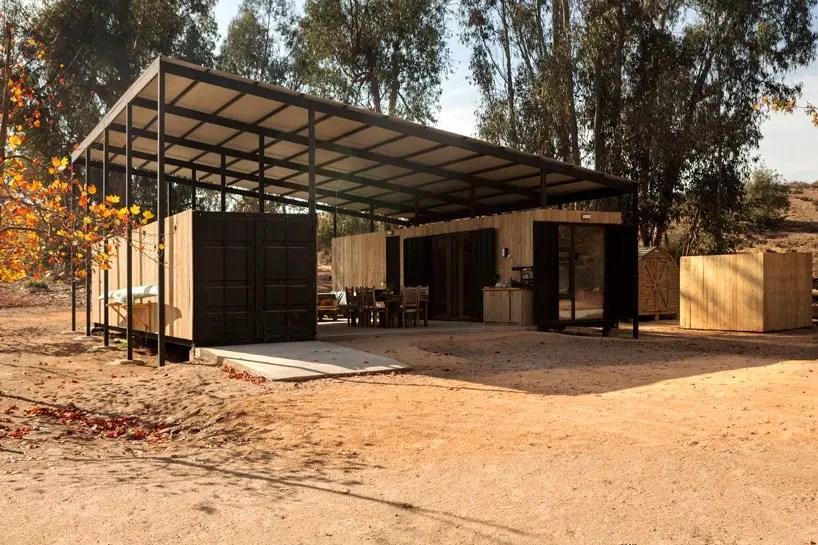 Cette maison container est faite de deux modules reliés par une terrasse couverte - PLANETE DECO a homes world