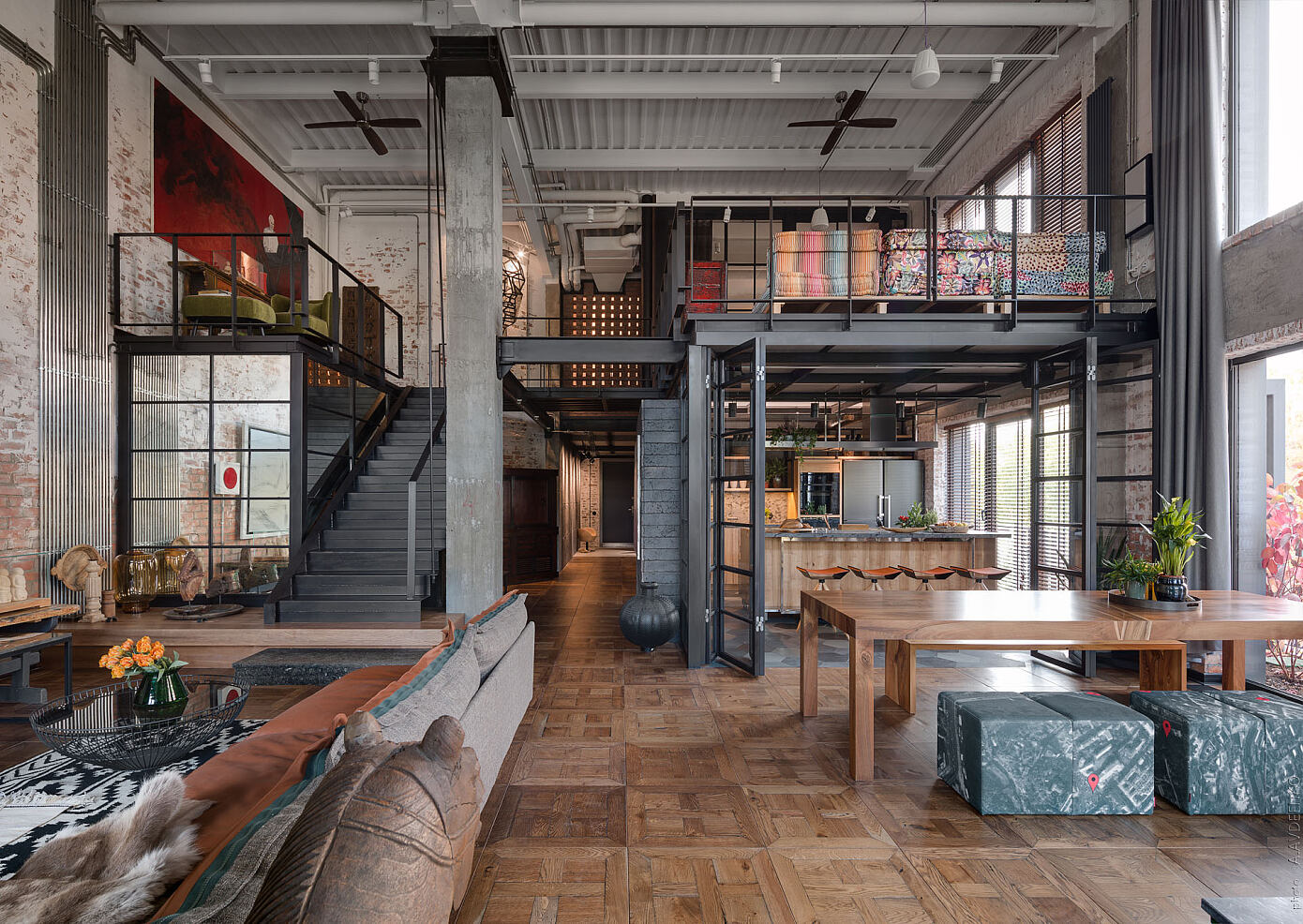 Un loft avec terrasse à la décoration industrielle inspirée par l'Asie - PLANETE DECO a homes world