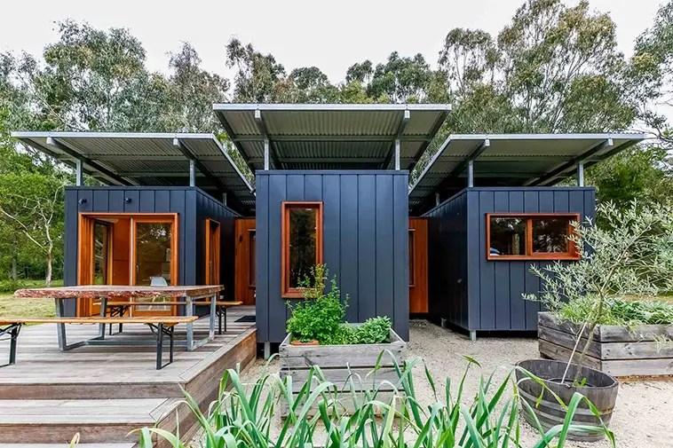 Cette maison container design est faite de 3 modules de 20 pieds - PLANETE DECO a homes world