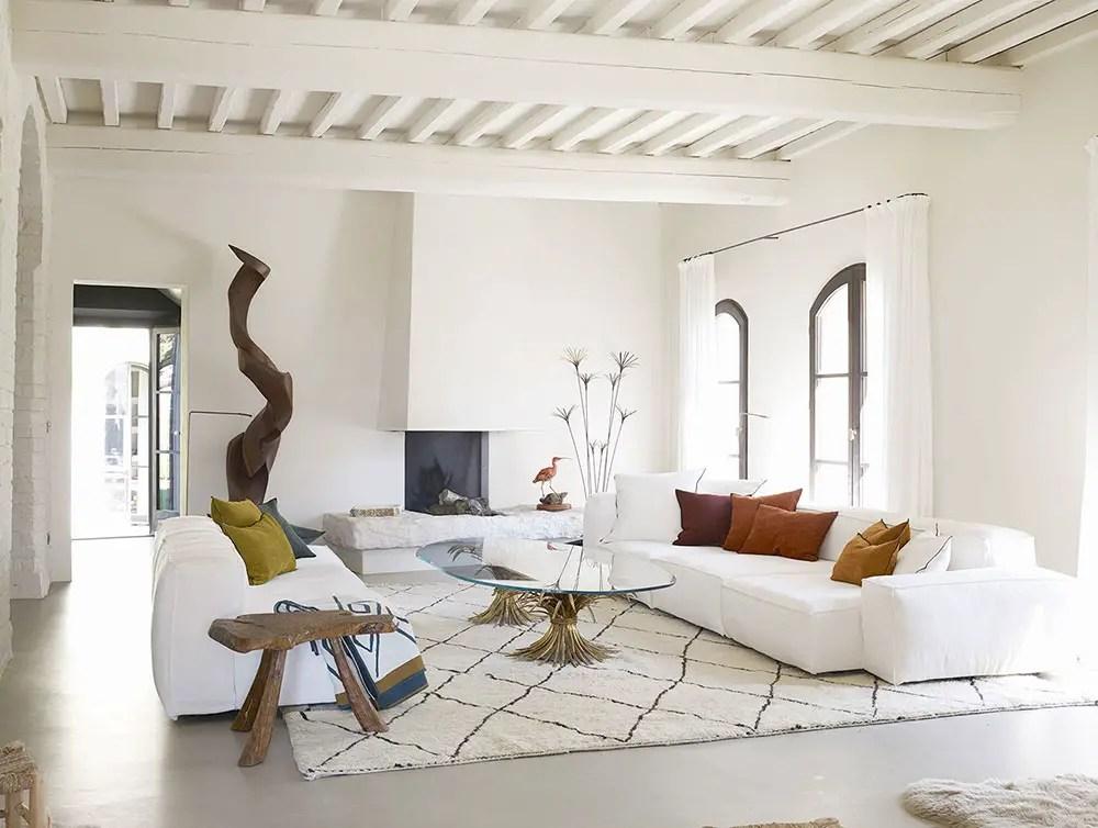 Décoration contemporaine pour une maison en pierres en Toscane - PLANETE DECO a homes world