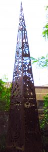 DOM-Maitre-REIKI-sculpture-pyramide