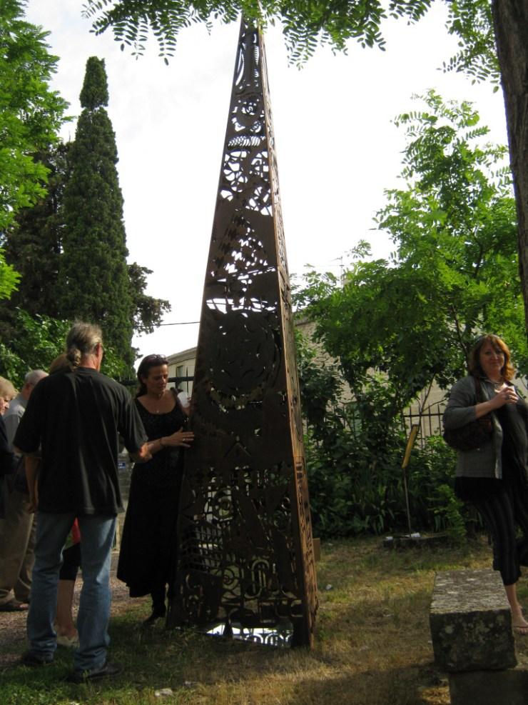 Ben-Colibri-sculpture-pyramide