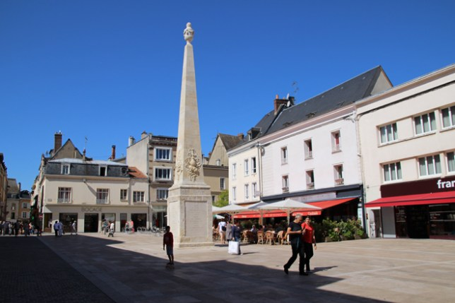 Le centre-ville de Chartres est très vivant