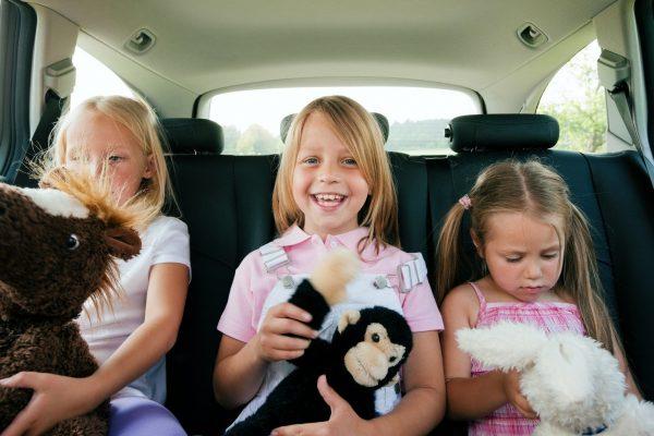 Distraire ses enfants en voiture partir en voiture avec ses enfants