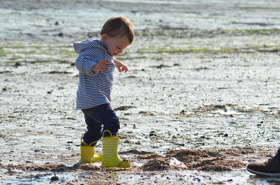 Bottes en caoutchouc pour enfant pour affronter l'humidité de l'automne