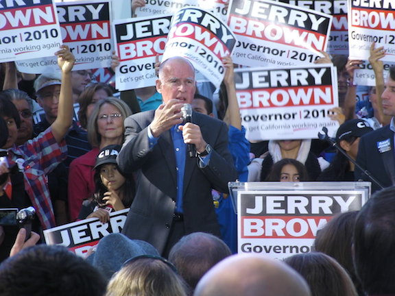 Jerry Brown at a 2010 rally (Source: Creative Commons)