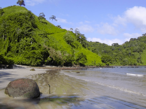 Chatham beach on Cocos Island. Capt. Wade and the Sea Watch crew will be patrolling the island, which is a designated National Park off the coast of Costa Rica. (Image: WikiMedia Commons)