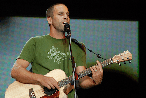 Jack Johnson performing at the 2008 Bonnaroo Music Festival. (Image: Josh Rhinehart)