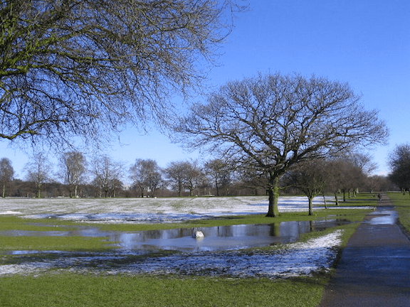Melting snow in Memorial Park, Coventry, West Midlands. (Image: WikiMedia Commons)