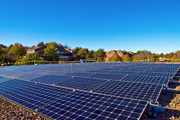 Solar electricity array on the roof of the library of Eastern Mennonite University. (Image Credit: WikiMedia Commons)