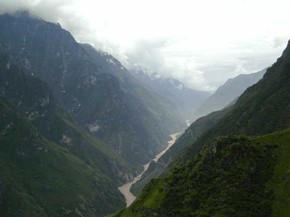 The Jinsha River, Tiger Leaping Gorge. (Image Credit: Creative Commons)