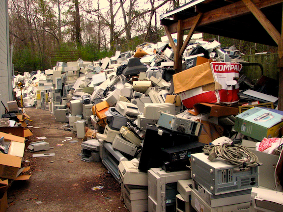 Piles of electronic waste. (Image Credit: Curtis Palmer / Flickr)