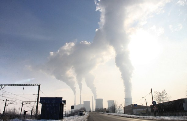 Power plant emissions. (Photo Credit: Pixabay)