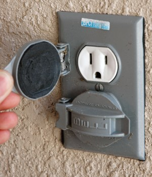 An American outdoor electric outlet. (Photo via WikiMedia Commons)