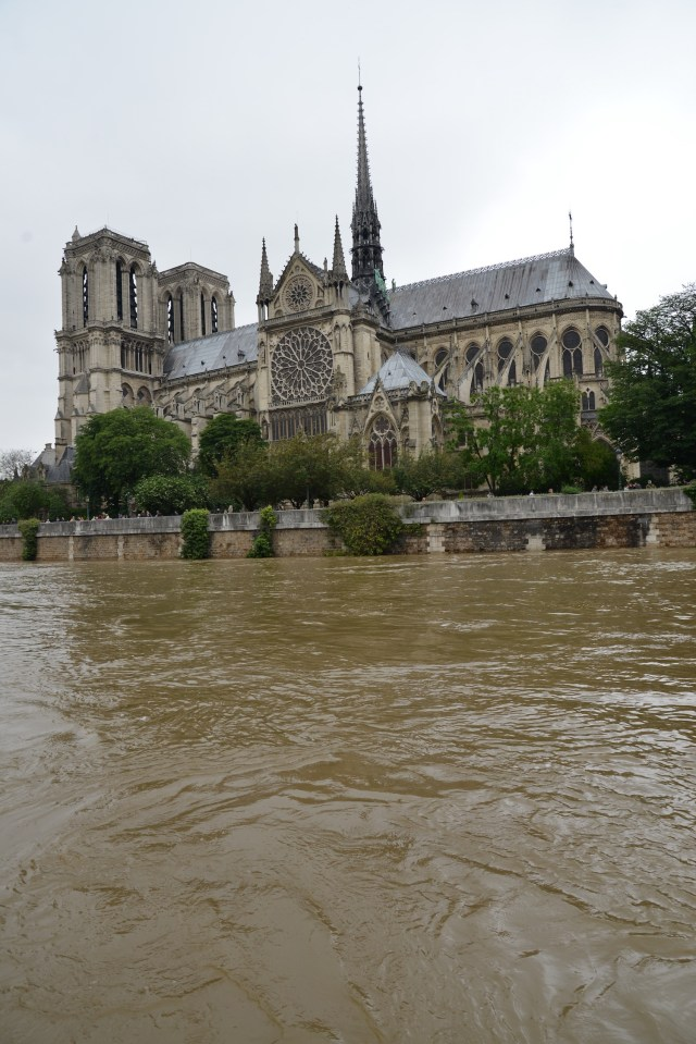 Flooding in Paris, June 2016. (Photo Credit: Paul Mariotti)