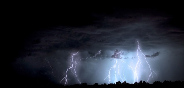 Lightning. (Photo Credit: Pixabay)