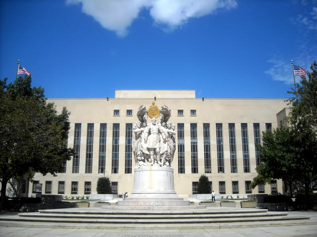 The E. Barrett Prettyman Federal Courthouse in Washington, D.C., which houses the D.C. Federal District Court where all the DAPL lawsuits are pending. (Photo: Wikimedia Commons)