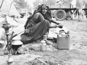 Woman at a well in rural India. (Photo Credit: Skeeze / Pixabay)