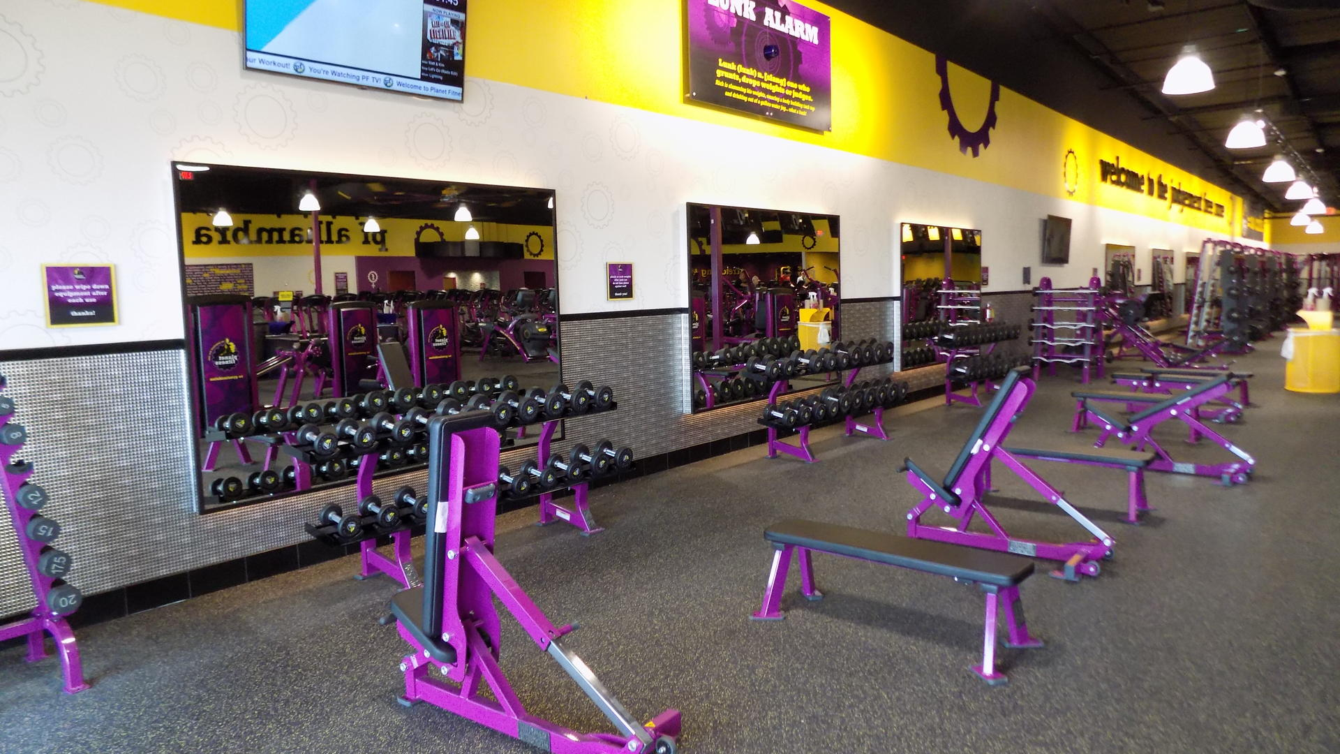 Gym in Phoenix Alhambra AZ  1625 W Camelback Rd  Planet Fitness