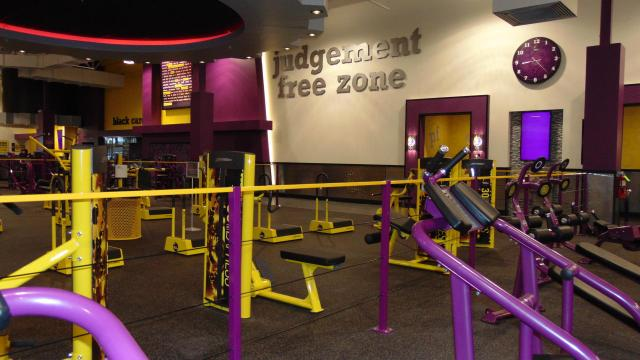 black card member benefits planet fitness