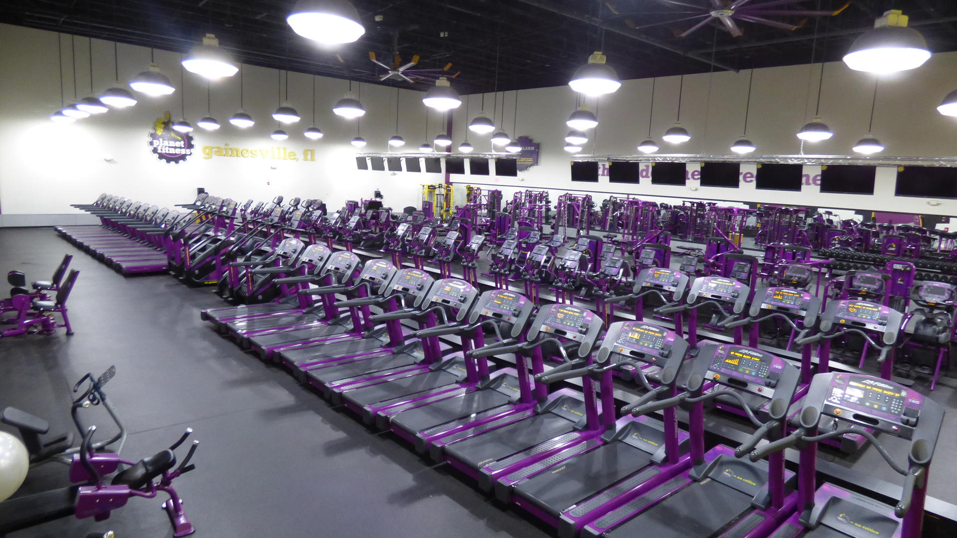 Gym in Gainesville 13th St FL  2210 NW 13th St