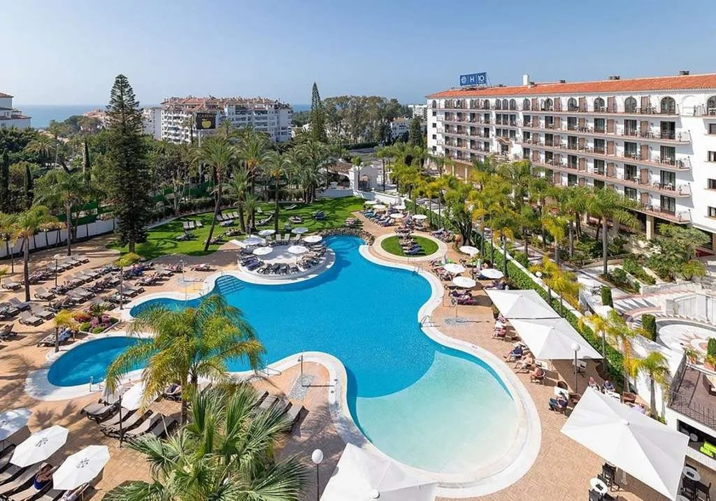 The Andalucia Plaza is one of Marbella's most iconic hotels