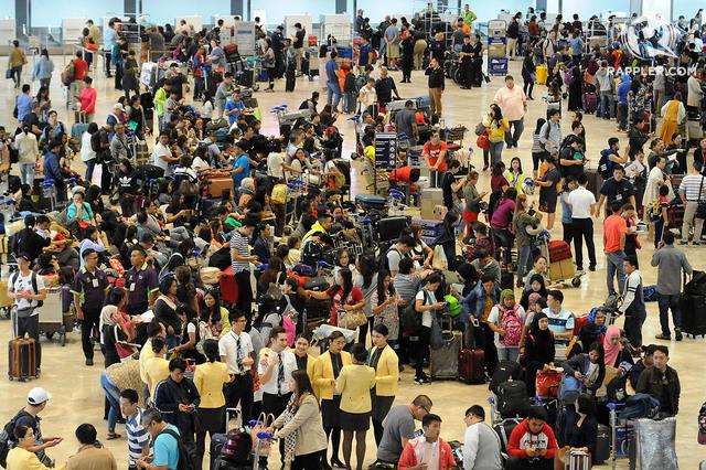 LOOK: Thousands stranded due to NAIA runway closure