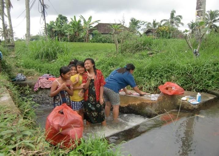 Una lavanderia nei pressi di Jatiluwith