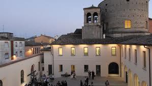 www.festartusiana.it