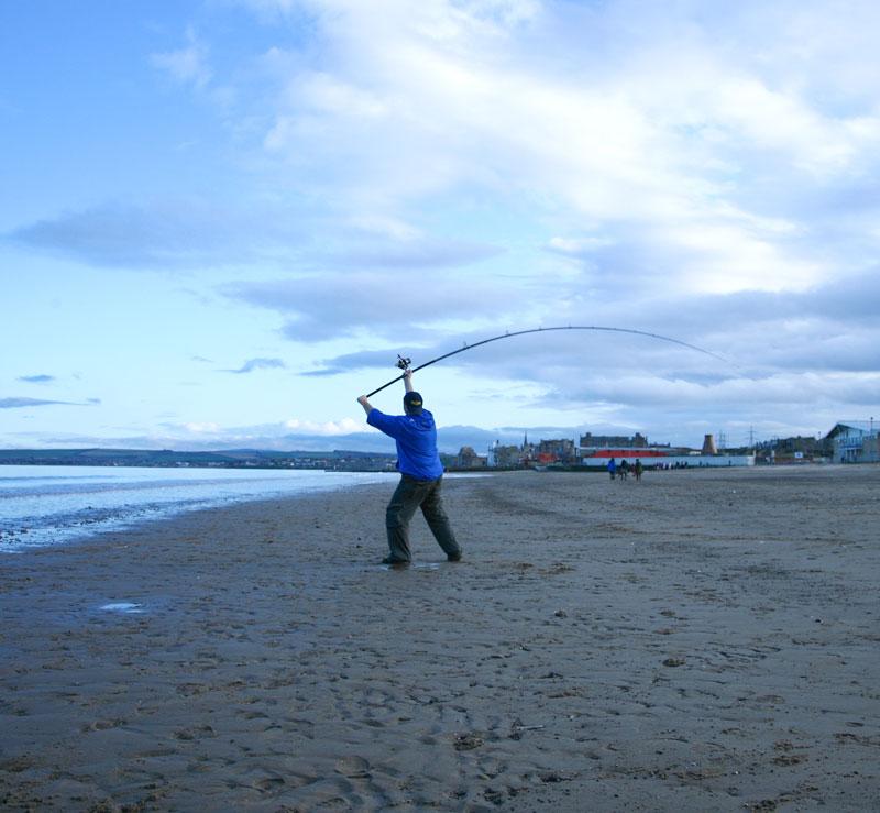 casting with the FOX Conqueror Multi Match beach rod