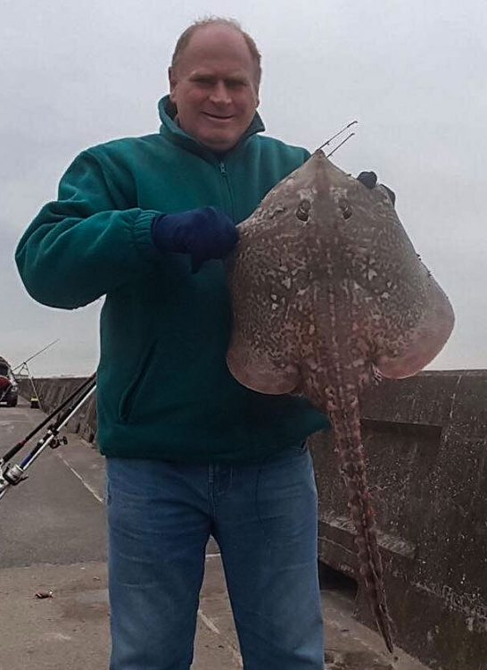 Dave Carr with his thornback ray from Gynn Wall