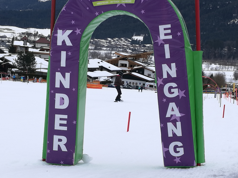 austria-children-ski-area